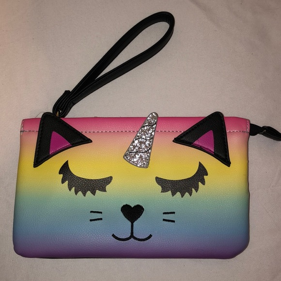 Betsey Johnson Handbags - 🦄NWT Betsey Johnson Purse / Pouch🦄